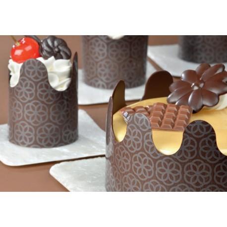 Trasferelli di cioccolato per bordure e decorazioni