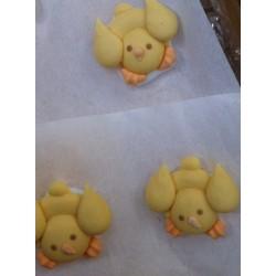 Pulcini piatti in zucchero per decorazioni pasquali
