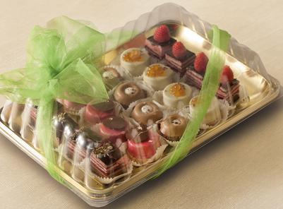 Porta torta in plastica e porta dolcetti e macaron